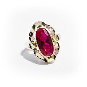 Dámsky prsteň so syntetickým rubínom