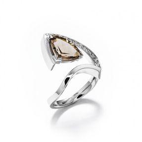Luxusný dámsky prsteň s prírodným zlatým topásom a briliantami v bielom zlate Au 585/000