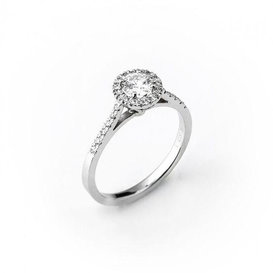 Dámsky briliantový prsteň v bielom zlate