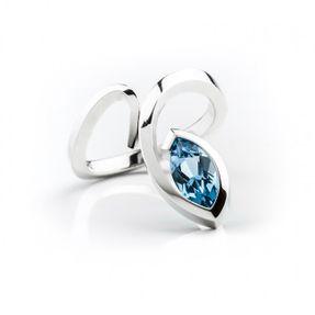 prsteň s prírodným modrým topásom